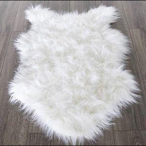 Faux Sheepskin long pile rug white 2feetx3 feet 🆕